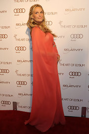 Molly Sims paired her Renaissance braid with a flowing chiffon peach gown for the Art of Alysium Gala.