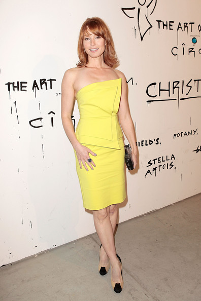 More Pics of Alicia Witt Medium Layered Cut (9 of 19) - Alicia Witt Lookbook - StyleBistro
