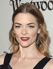 Jaime King wore her tresses loose with soft waves during the Heaven Gala.