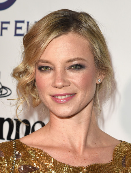 Amy Smart's Messy Updo