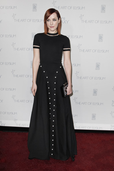 Jena Malone's Thale Blanc Anjelica Pearl clutch perfectly echoed the style of her gown.
