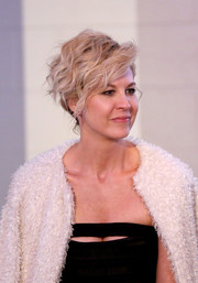 Jenna Elfman channeled her inner rockstar with this messy 'do at the throwback screening of 'Can't Hardly Wait.'