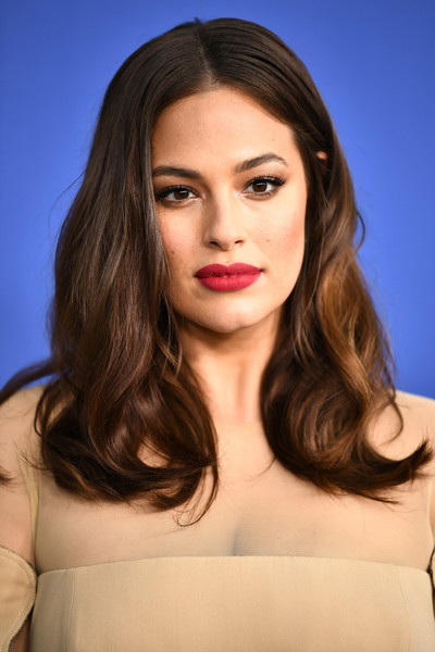 Ashley Graham Long Wavy Cut