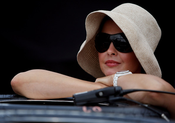 Ashley Judd Sun Hat []