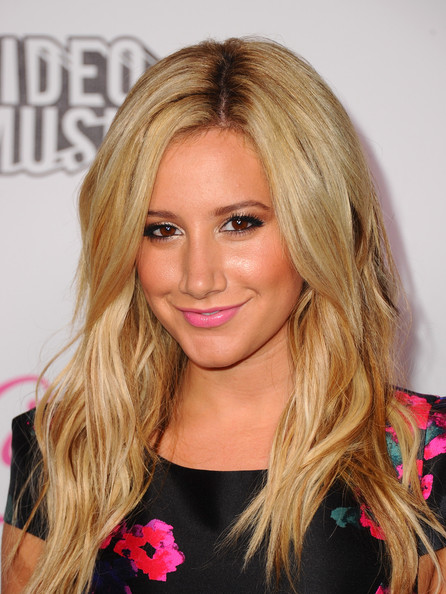 Ashley Tisdale Bright Lipstick