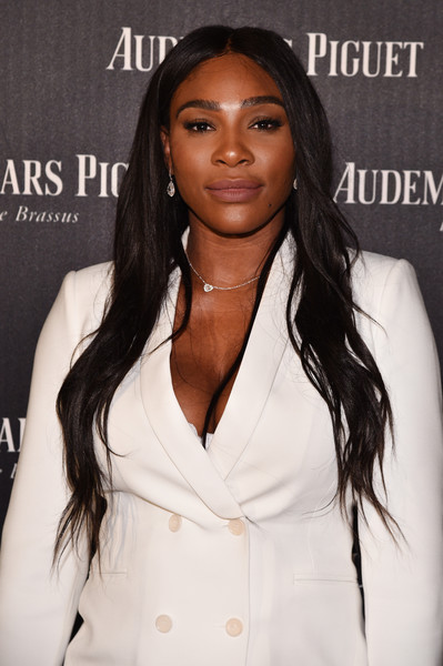Serena Williams styled her hair with a center part and just a slight wave for the Reconstruction of the Universe event.