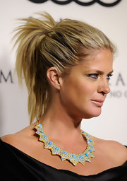 Rachel Hunter wore her hair in a casual ponytail at the Audi 2012 Golden Globe Awards celebration.