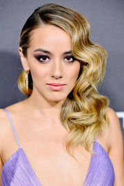 Chloe Bennet went Old Hollywood-glam with this wavy side sweep at the Audi pre-Emmy celebration.