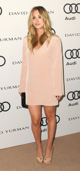 More Pics of Kaley Cuoco Pink Lipstick (1 of 15) - Kaley Cuoco Lookbook - StyleBistro
