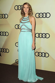 Dawn looked like a modern Grecian goddess in this mint pleated evening dress.