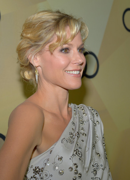 More Pics of Julie Bowen One Shoulder Dress (1 of 6) - One Shoulder Dress Lookbook - StyleBistro