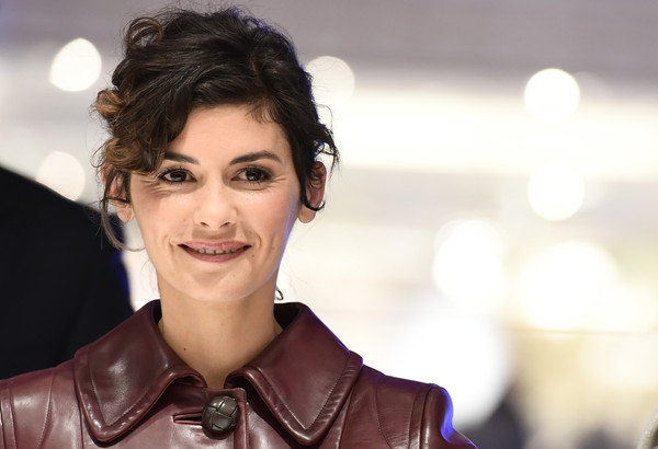 Audrey Tautou Curly Updo [galeries lafayette christmas decorations,hair,face,facial expression,beauty,lady,hairstyle,smile,eyebrow,skin,lip,audrey tautou,miguel medina,lighting display,paris,french,galerie lafayette,afp,launch,chrismas]