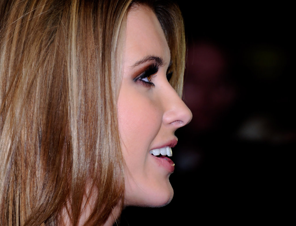 more pics of audrina patridge layered cut 14 of 29