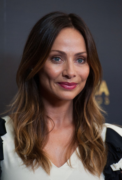 Natalie Imbruglia wore her hair in lovely face-framing waves at the AACTA International Awards.
