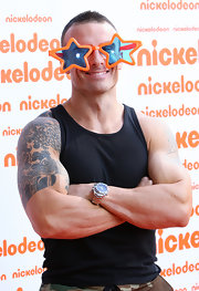 Commando showed off his sleeve tattoo while hitting the Nickelodeon Awards.