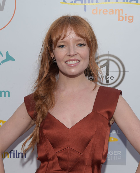 Stef Dawson attended the Heath Ledger scholarship dinner wearing her hair in a very loose braid.