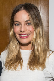 Margot Robbie sported casual ombre waves at the Australians in Film screening of 'Once Upon a Time in Hollywood.'