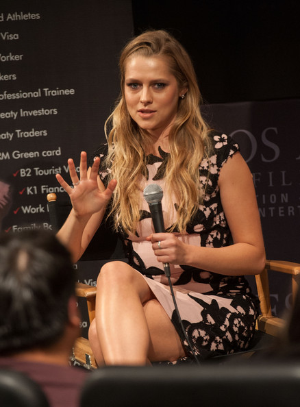 More Pics of Teresa Palmer Long Wavy Cut (8 of 48) - Long Wavy Cut Lookbook - StyleBistro