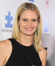 Joelle Carter wore her hair in a trendy layered cut at the Autism Speaks' Blue Jean Ball.