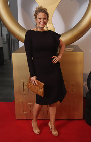 Barbara Schoeneberger opted for a black asymmetrical dress at the 'Goldenes Lenkrad' Awards.
