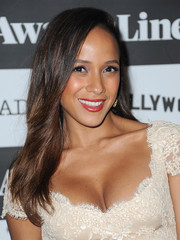 Dania Ramirez opted for a loose, straight hairstyle when she attended the 'Devious Maids' screening.