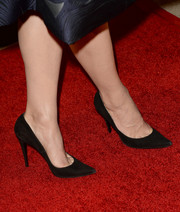 Crystal Reed wore simple yet elegant black pointy pumps when she attended the BAFTA LA TV Tea.