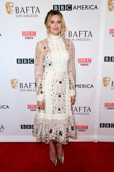 Laura Carmichael completed her red carpet look with a pair of silver pumps.