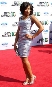 Taraji wore metallic, criss-cross, slingback sandals to complement her satin cocktail dress.