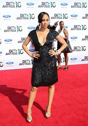 Tia Mowry hit the red carpet of the 2010 BET Awards in snakeskin platform pumps.