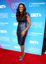 Yolanda Adams sparkled on the red carpet when she sported this blue sequined dress.