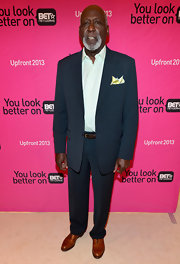 Richard Roundtree looked dapper as ever in this two-button, notch-lapel suit.