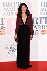 Jessie Ware wore a lovely two-tone dress with a deep plunge at the BRIT Awards.