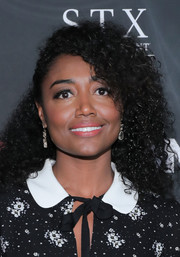 Patina Miller wore her hair in tight, half-pinned curls at the New York premiere of 'Bad Moms.'