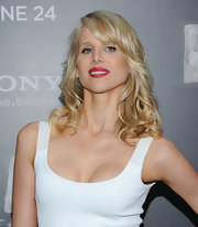 Lucy Punch's shoulder-length curls with bangs were a glam complement to her simple dress at the 'Bad Teacher' premiere.