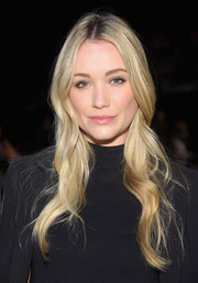 Katrina Bowden looked oh-so-sweet wearing this wavy 'do at the Badgley Mischka fashion show.