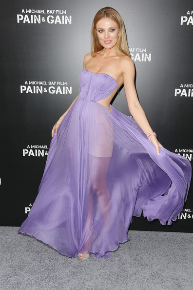 Bar Paly Hair