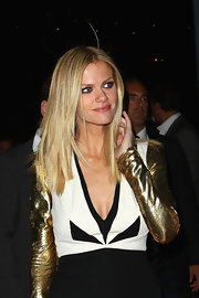 Brooklyn Decker headed to the Australian premiere of 'Battleship' wearing dark rich shades of eye shadow.