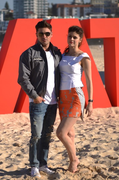 Alexandra Daddario looked summer-ready in a sleeveless, fitted white blouse at the 'Baywatch' photocall.