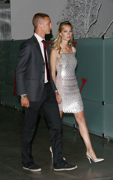 Beatrice Borromeo Slingbacks [suit,shoulder,clothing,formal wear,fashion,dress,event,joint,tuxedo,leg,pier casiraghi,beatrice borromeo,r,convivio,milan,italy,fiera milano city,l]