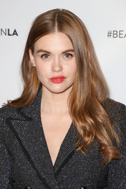 Holland Roden looked lovely with her long wavy 'do at the Beautycon Festival LA 2018.