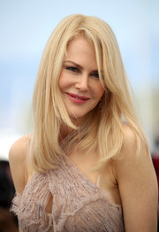 Nicole Kidman wore her hair in a simple layered style at the Cannes Film Festival photocall for 'The Beguiled.'