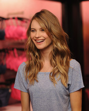Behati Prinsloo looked super pretty with her beachy waves during the Victoria's Secret T-shirt bra launch.
