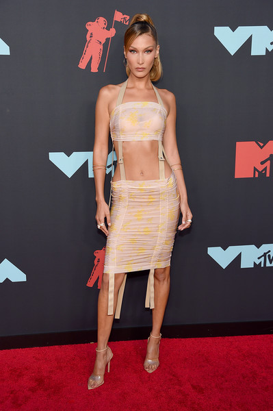 Bella Hadid Strappy Sandals [clothing,red carpet,carpet,shoulder,dress,fashion model,fashion,cocktail dress,premiere,flooring,arrivals,bella hadid,mtv video music awards,prudential center,newark,new jersey]