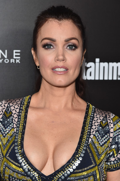 Bellamy Young Ponytail [hair,eyebrow,hairstyle,beauty,lip,premiere,neck,black hair,eyelash,fashion model,bellamy young,nominees,arrivals,screen actors guild awards,los angeles,chateau marmont,california,maybelline,screen actors guild,entertainment weekly celebration]