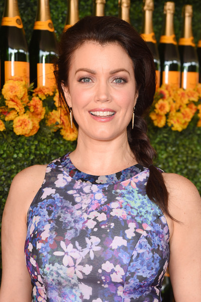 Bellamy Young Loose Braid [beauty,liqueur,drink,smile,distilled beverage,bellamy young,veuve clicquot polo classic,red carpet,los angeles,pacific palisades,california,will rogers state historic park]
