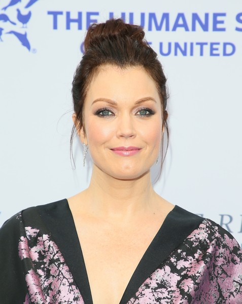 Bellamy Young Loose Bun [the rescue,hair,hairstyle,face,eyebrow,chin,beauty,skin,lip,forehead,eyelash,arrivals,bellamy young,rescue,los angeles,california,humane society of the united states,paramount studios,gala]