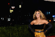 Beyonce Knowles Strapless Dress