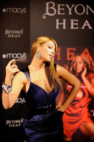 http://www3.pictures.stylebistro.com/gi/Beyonce+Launches+Fragrance+Heat+Macy+Herald+RQC6XOeGV8Fl.jpg