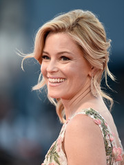Elizabeth Banks was gorgeously coiffed with this side-swept updo at the Venice Film Fest premiere of 'A Bigger Splash.'