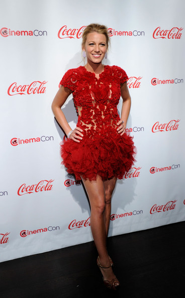Blake Lively Cocktail Dress [red,fashion model,dress,flooring,lady,cocktail dress,shoulder,fashion,carpet,red carpet,arrivals,blake lively,recipient,award,caesars palace,pure nightclub,cinemacon 2011 awards ceremony,awards ceremony,breakthrough performer of the year,convention]